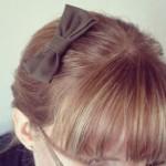 Millerain-rosett i håret