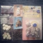 Knappar och pärlor köpta i Japan